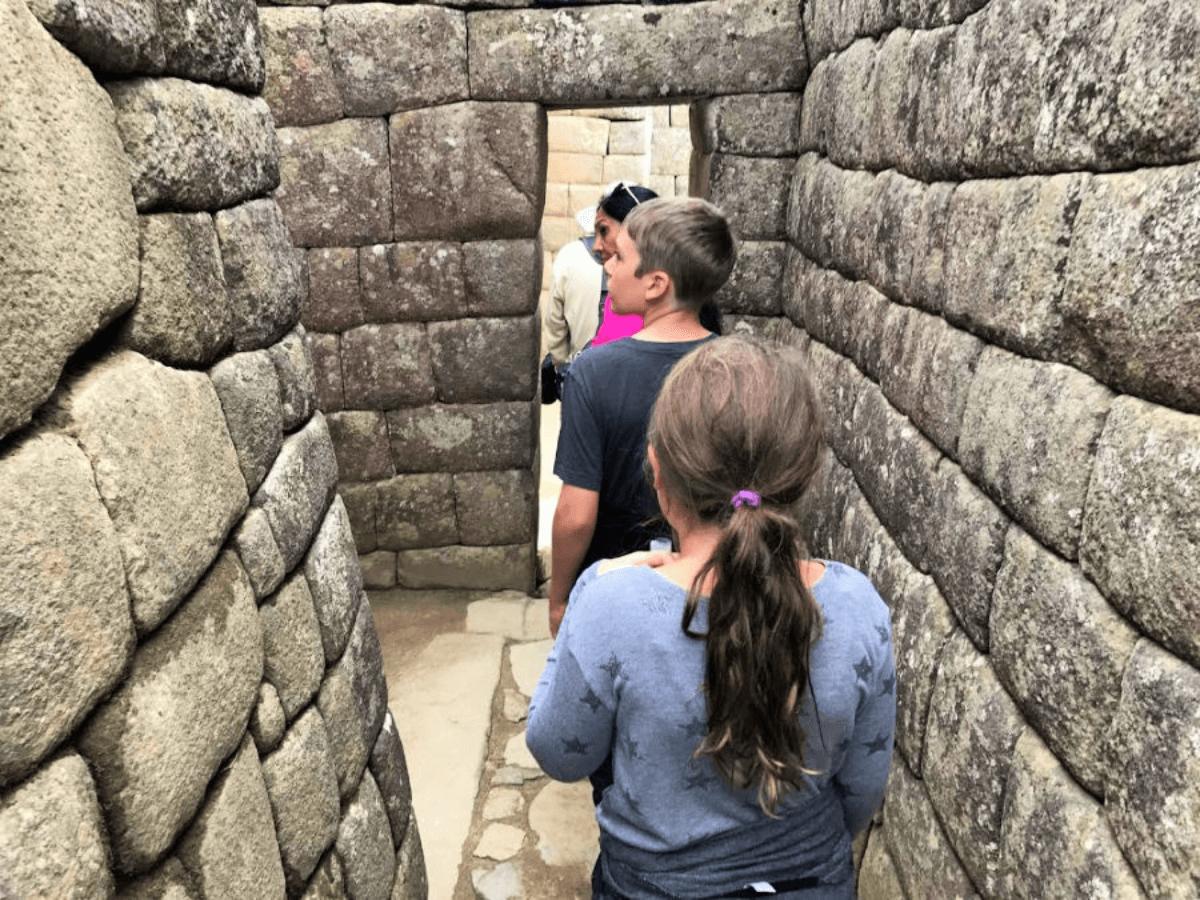 Machu-Picchu-tour-with-kids